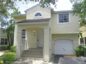 PERFECT HOUSE 3 BEDROOMS & 2.5 BATHROOM - SPACIOUS SPACE & NICE LOCATION - SEE!